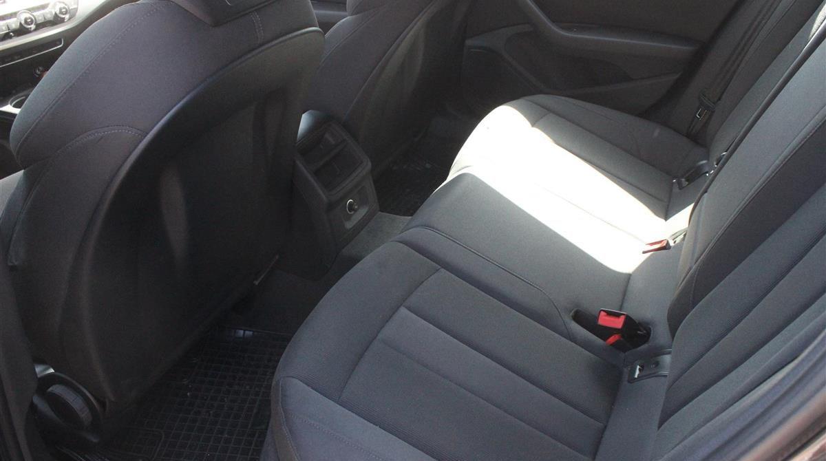 Audi-A4-2018-5