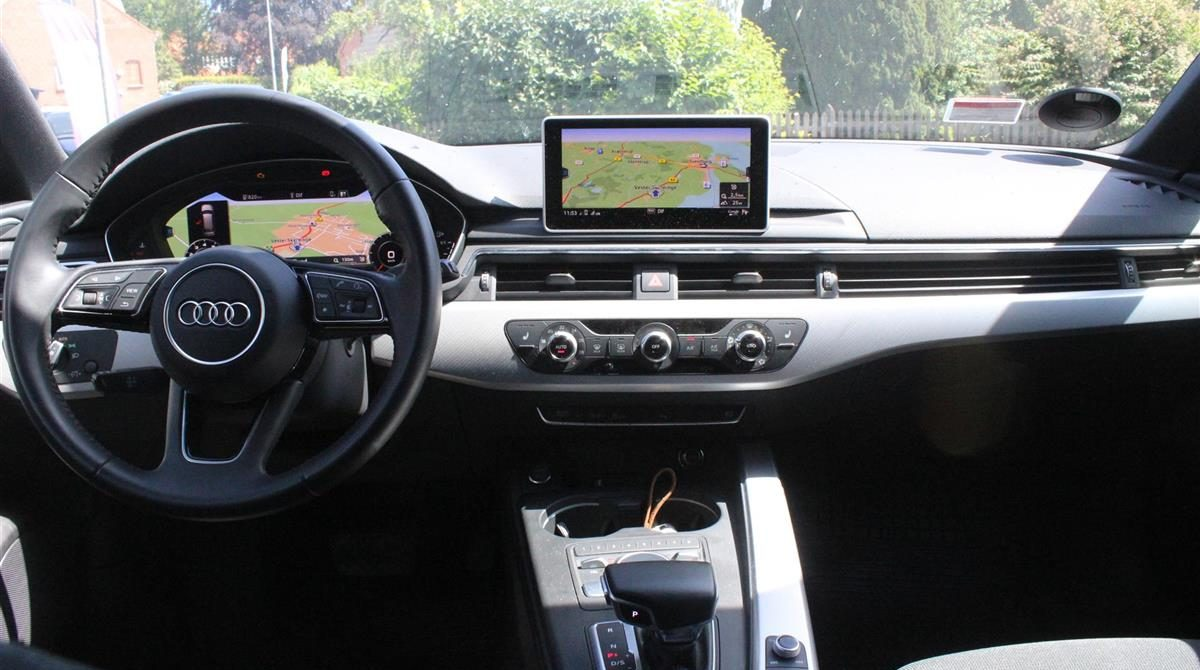 Audi-A4-2018-6