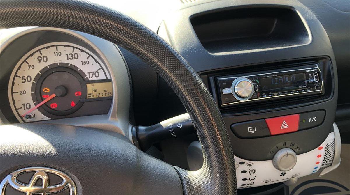 Toyota-Aygo-2013-5