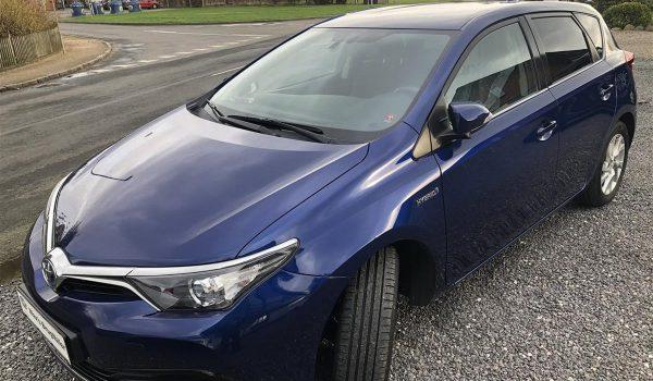 Toyota-Auris-2015